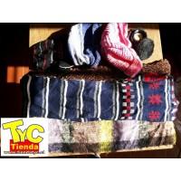 Fardo gorros de lanas y bufandas PRIMERA