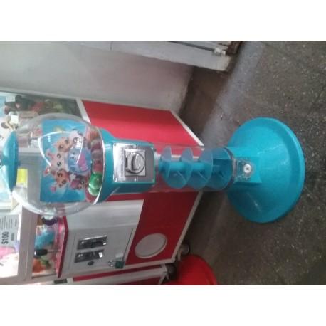3 maquinas dispensadoras de juguetes